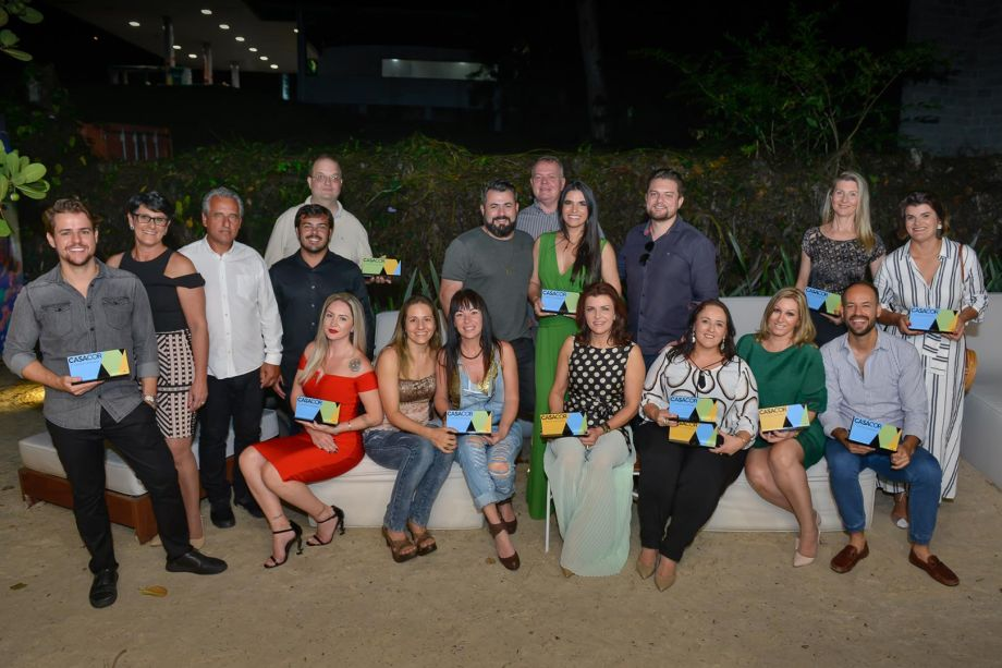 Profissionais vencedores do Prêmio de Melhores Ambientes da CASACOR SC 2018.