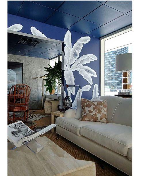 CASACOR Miami: o papel de parede com pinceladas espessas chama a atenção no Palm Beach Homestyle de Alberto Salaberri.
