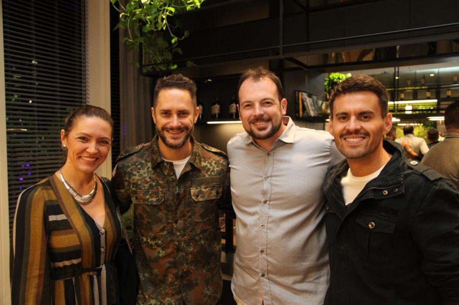 Elenice Cardoso, Moacir Jr, Mateus Corradi e Salvio Jr.