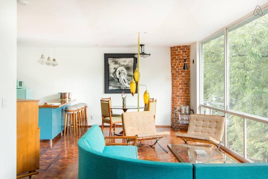 Casa espetacular com uma experiência artística -Aprecie as pinturas, os móveis e cada detalhe dessa casa. Aproveite também para tomar sua bebida favorita no jardim do terraço observando um lindo pôr do sol. -https://www.airbnb.mx/rooms/plus/24151639?adults=1&guests=1&location=Mexico%20City%2C%20Mexico&s=p6AbLiXP