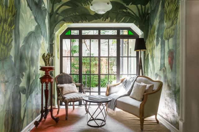 """Casa Art Déco Romântica com Terraço.""""Casa Josefa"""" é uma casa de três níveis de Art Déco que originalmente foi construída na década de 1920 e depois foi renovada por um designer e artista com um mural pintado à mão, com detalhes da época e influência francesa que caracteriza o bairro de Roma. -https://www.airbnb.mx/rooms/plus/17268085?adults=1&guests=1&location=Mexico%20City%2C%20Mexico&s=p6AbLiXP"""