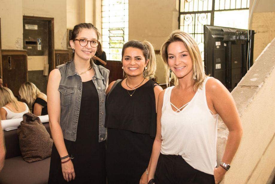 Laura Tavares, Fernanda Sá e Camila Pigatto