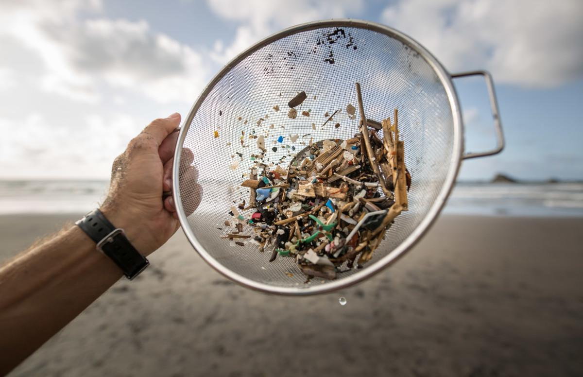 ilha de lixo no mar ; lixo no mar