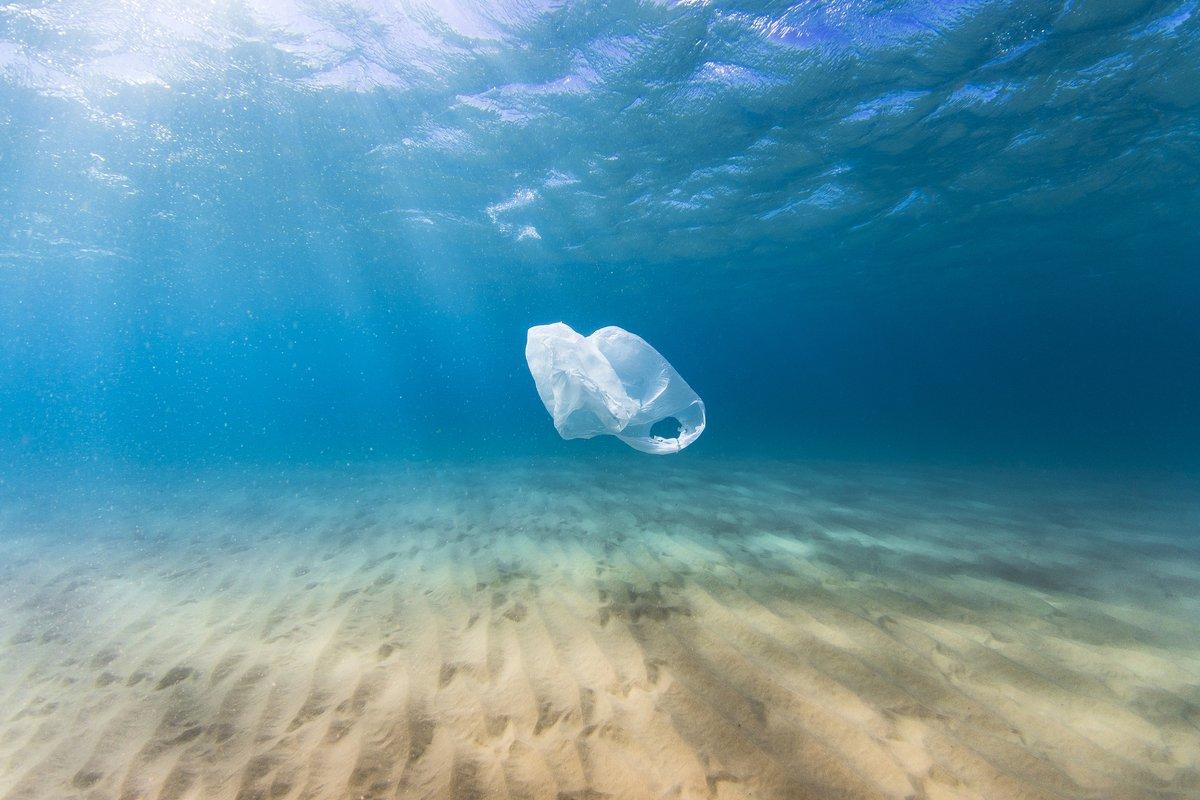 plastico no mar