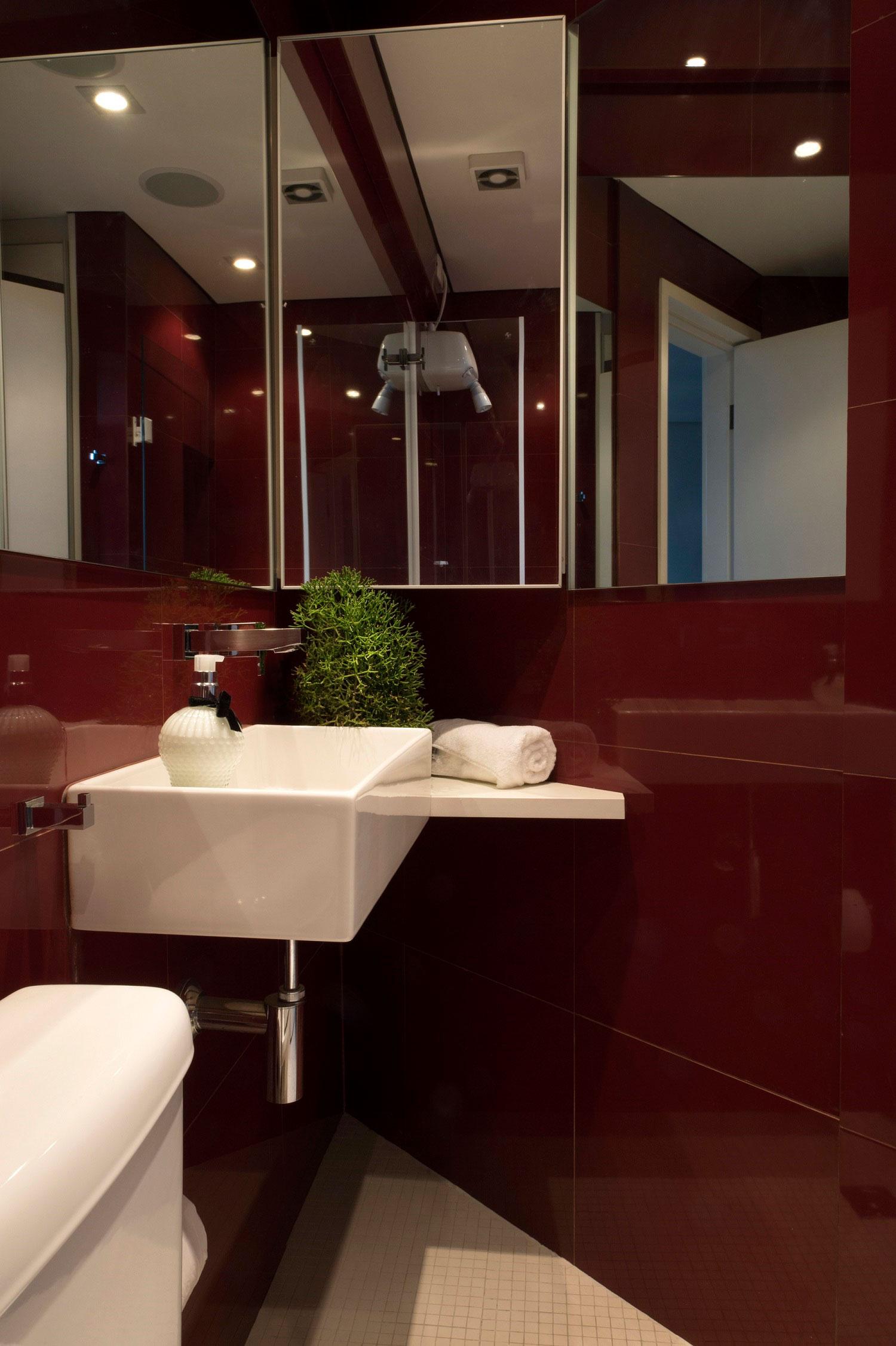Ricardo Abreu transforma apartamento de 27 m² em loft moderno.