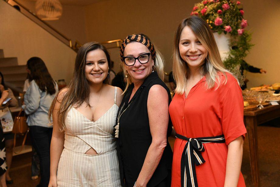 Flávia Araújo, Ednara Braga e Juliana Resende