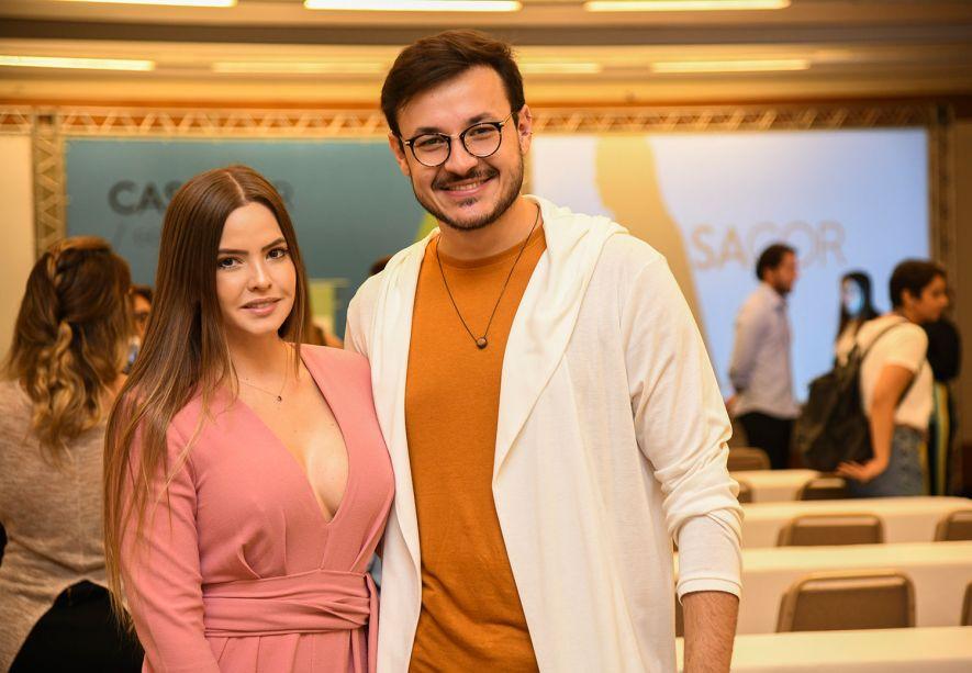Rubya Zottele e Vinicius Antonelli
