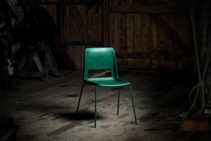 snohetta-recycled-plastic-chair-design_dezeen_2364_sq-2