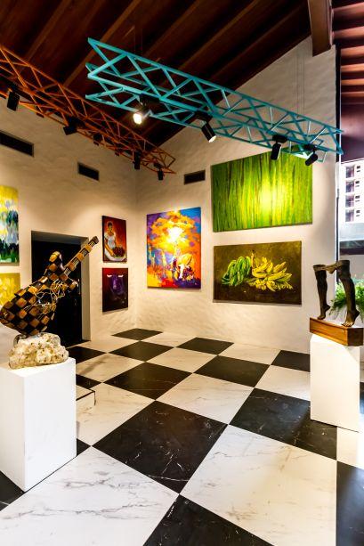 Galeria de Arte - O espaço privilegia as pinturas e esculturas de 28 artistas locais, que também expõem suas obras em outros ambientes de CASACOR.
