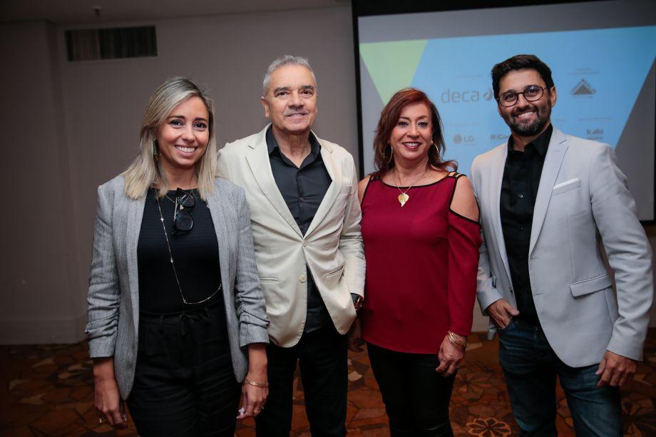 Karina Capaverde, Valdecir Santos, Vera Capaverde e Luciano Mota