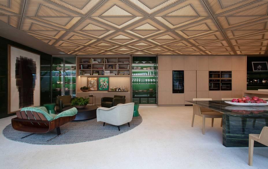 CASACOR São Paulo 2018. Le Riad Bontempo - Roberto Migotto. O Riad é uma construção típica do Marrocos que ganha uma interpretação contemporânea. O forro no teto da casa de 400 m² faz referência aos tradicionais muxarabiés.
