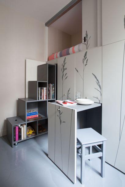 Este microapartamento em Paris ja e bem conhecido nas redes sociais, surpreendendo ao garantir tantas funções em 8 m².