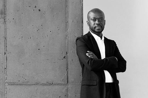 Adjaye é um dos nomes que fazem da África uma referência atual em inovação na arquitetura.