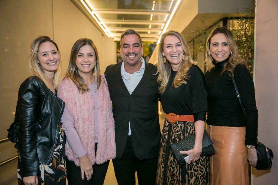 Daniele Ferreira, Juliana Moser, Cadu Torres, Juliana Simas e Alessandra Lobo