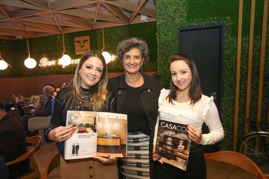 Arquiteta Bruna Souza, diretora da CASACOR Paraná, Marina Nessi, e designer Emanuella Leite