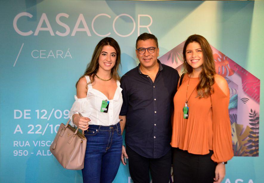 Manoella Linhares, Pedro Ariel Santana e Natália Benevides