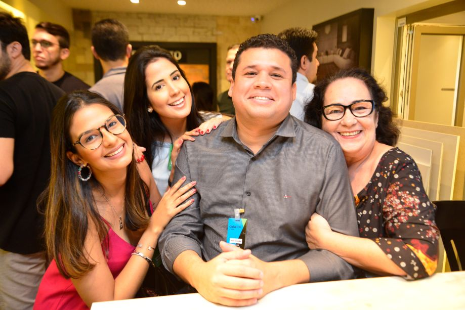 Tatiana Mendes, Luana Figueiredo, Victor Guimarães e Nereide Figueirêdo