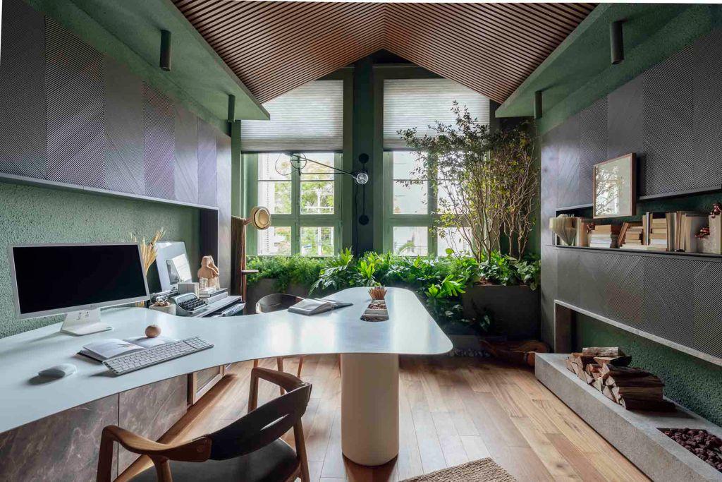 Home office do casal; casacor 2019 - Biofilia: o que é e como incorporá-la na arquitetura -