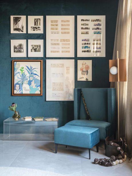 A Sala Do Luiz - Izabela Pagani. <span>O cantinho da sala de 31 m² é homenagem à Luis Fernando Verissimo e seu universo, que envolve interesses como jornalismo, crônica, desenhos e música. A poltrona Verissimo é inspirada no lugar em que o pai, Erico, corrigia seus manuscritos.</span>