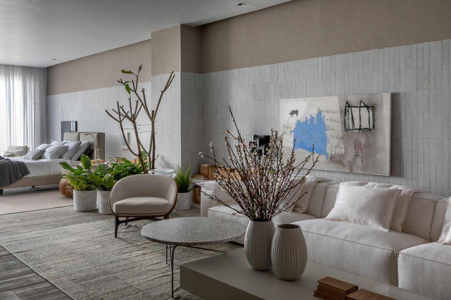 Casa DOA - Jacira Pinheiro. <span>O minimalismo é o estilo escolhido para destacar o essencial: a casa como templo particular. Poucos móveis e objetos foram dispostos de maneira confortável, aliados às cores claras e poucas divisórias.</span>