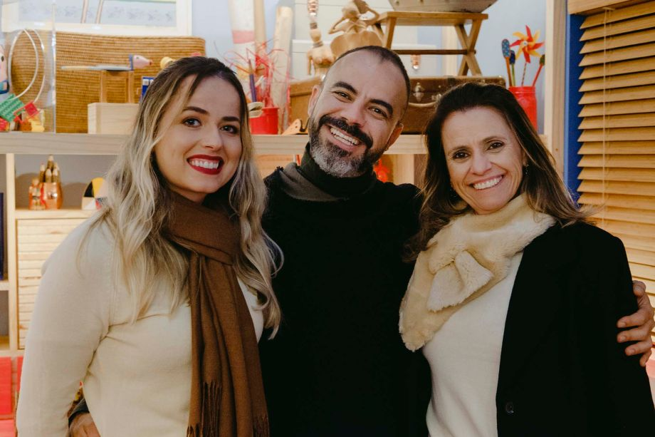 Renata Nunes, Vinicius de Melo e Cristiane Petroni