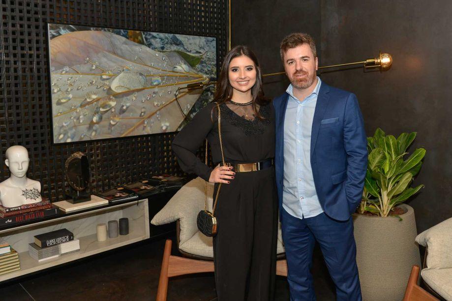 Carolina Zettermann de Almeida e Daniel Medeiros Ghizi no Antropo-Living.
