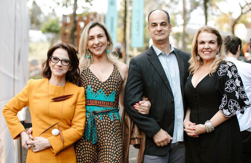 Juliana Grillo, Edna Barcelos e marido e Delia Jaime