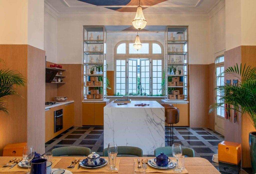 cozinha retro vintage lustre colorido jean de just casacor rio de janeiro 2019