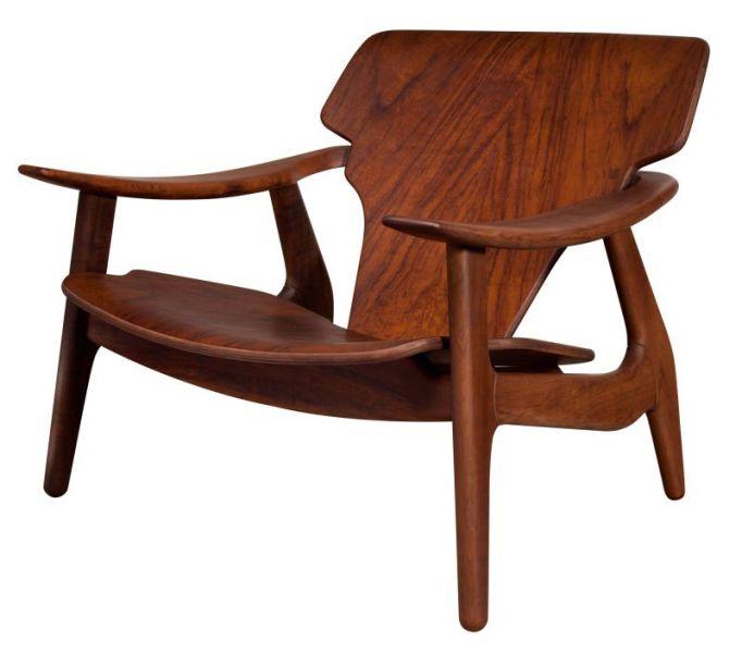 Formou uma identidade nacional por meio de seus desenhos e do uso de materiais tradicionais, como couro, palhinha e madeira, trazendo visibilidade à cultura brasileira. A Cadeira Diz, com estrutura em madeira maciça, é uma de suas peças mais famosas.