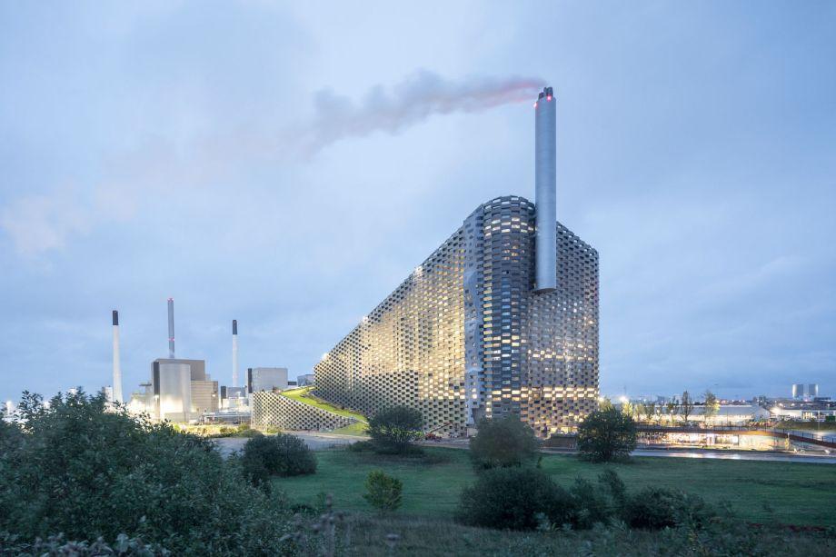 A Industrial fica com o Centro de Recreação Urbana e Usina de Energia CopenHill, do BIG.