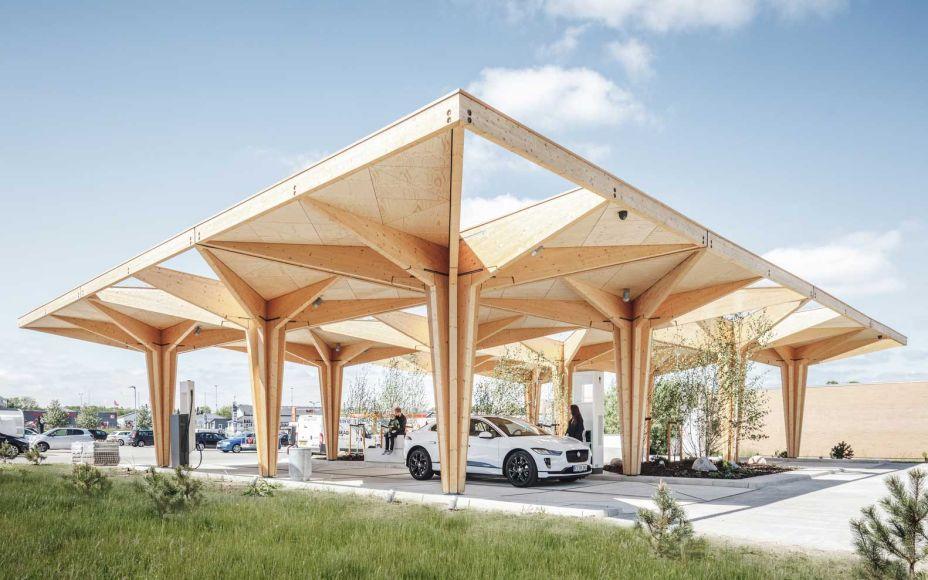Vencedor da categoria Comercial, o Estação de Carga Ultra Rápida para Veículos Elétricos foi projetado pela COBE.