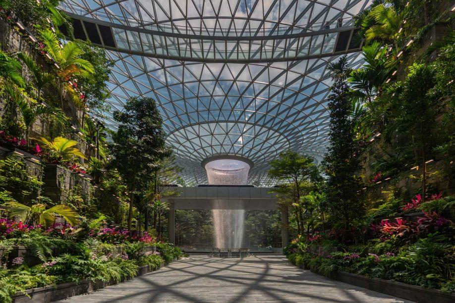 O aeroporto Jewel Changi é vencedor da Arquitetura Pública. A assinatura é do Safdie Architects.