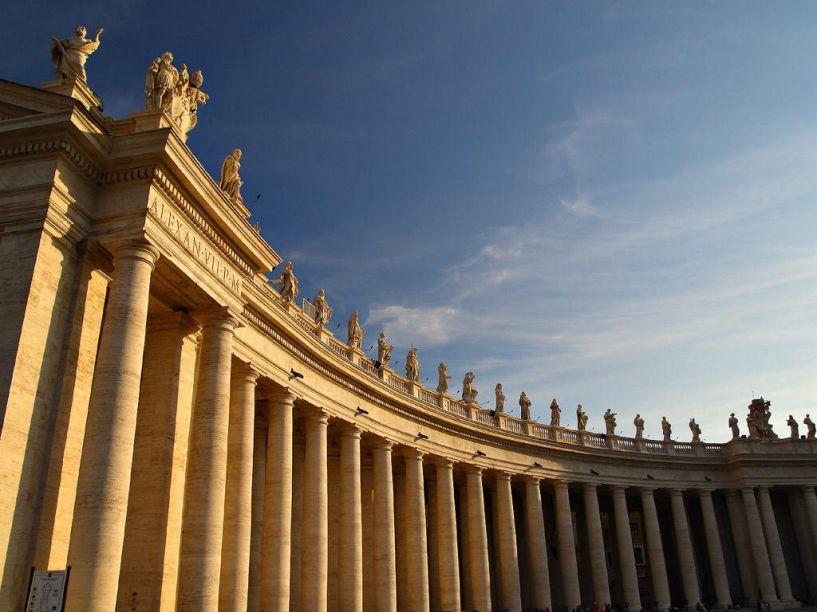 Coluna de Bernini - Vaticano - Piazza San Pietro - Roma.