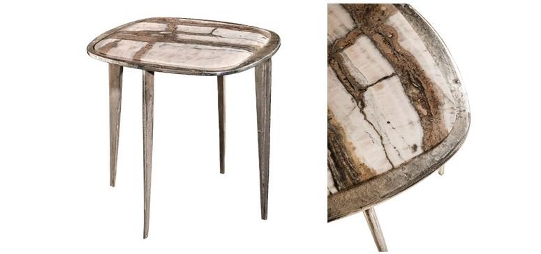 A mesa de centro projetada por Massimo Castagna para Henge é considerada uma peça de joalheria. Feita artesanalmente com tampo de pedra em edição limitada, a peça traz uma estrutura fundida, com a antiga técnica de fundição em areia.