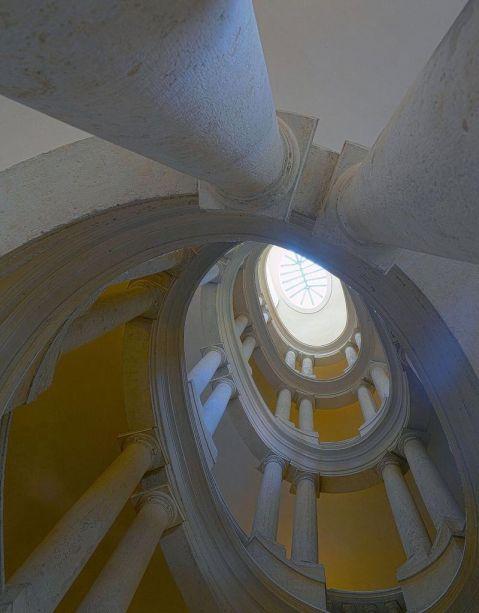 Escadaria helicoidal de Borromini - Palazzo Barberini - Roma.