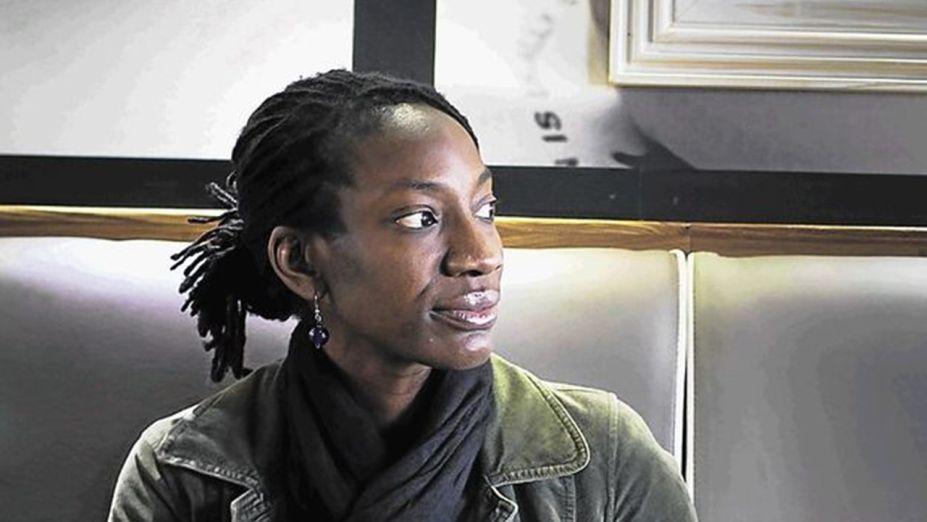 <strong>Yewande Omotoso. </strong>Yewande Omotoso é uma arquiteta e escritora nigeriana. Formou-se em arquitetura na Universidade da Cidade do Cabo mas continuou os estudos em escrita criativa. Seu romance Bom Boy foi premiado com Sul Africano Sunday Times Fiction Prize e o Prêmio Literário Sul Africano para Obra de Estreia. Hoje, vive na África do Sul e exerce ambas as profissões.