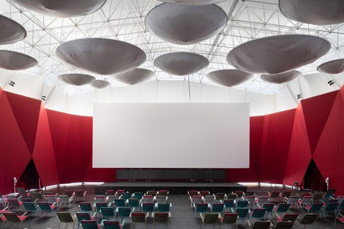 Snkh-pop-up-cinema-bedouin-tent-oma-garage-museum-contemporary-art-moscow_dezeen_2364_col_13
