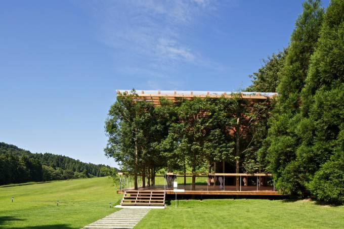 white-arbor-and-open-air-theater-apl-design-workshop-architecture-japan_dezeen_2364_col_3