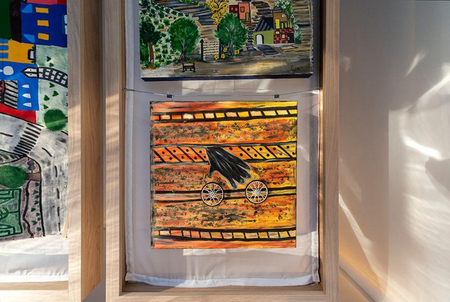 A primeira exposição da Galeria Fazendinhando foi uma coleção de trabalhos assinados por mulheres da comunidade.