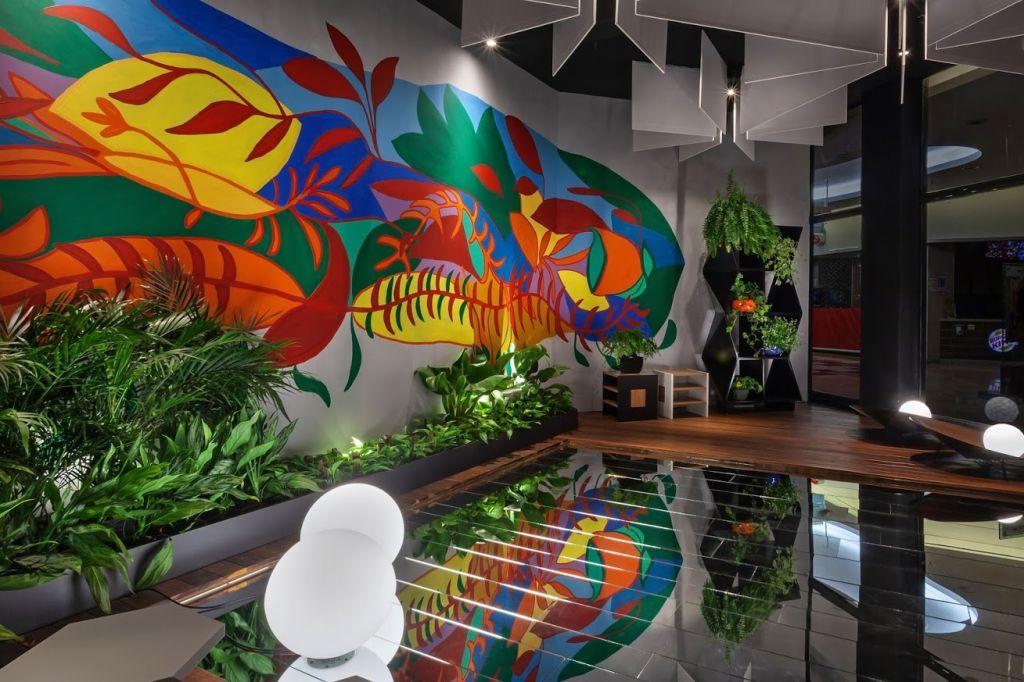 Visão ampla do ambiente da Mutabile Arquitetura para o Janelas CASACOR Minas Gerais