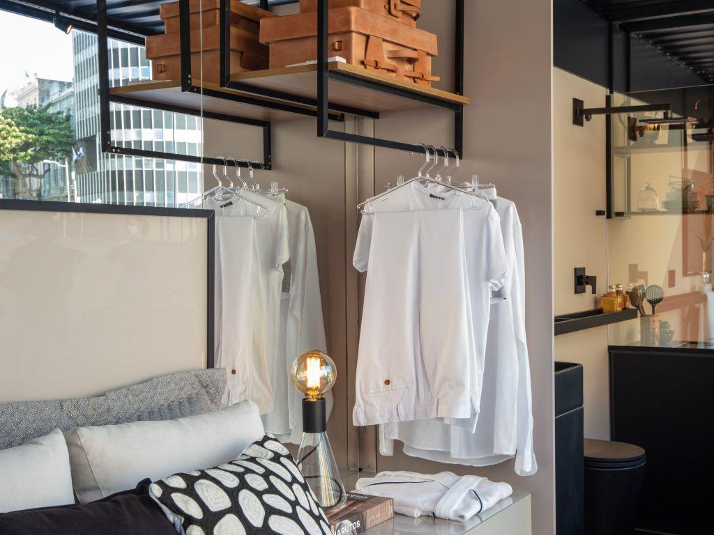 espaço do quarto no ambiente de Nejaim Azevedo Arquitetos no Janelas CASACOR Pernambuco