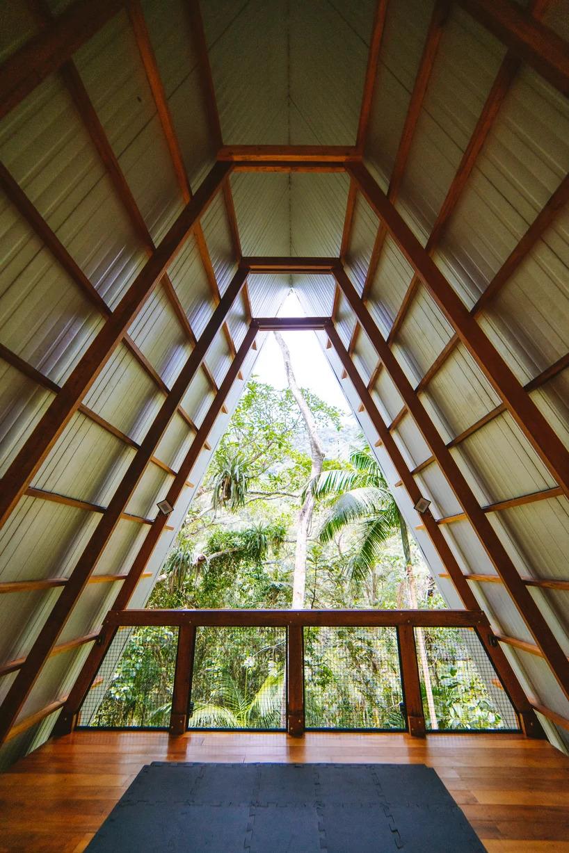 Visão de dentro da Casa dos Macacos em Paraty