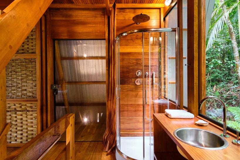 Sala de banho da Casa dos Macacos em Paraty