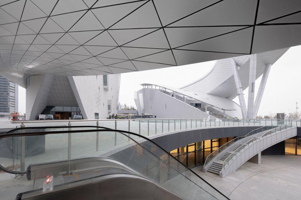 Visão de dentro do Suzhou Bay Cultural Center