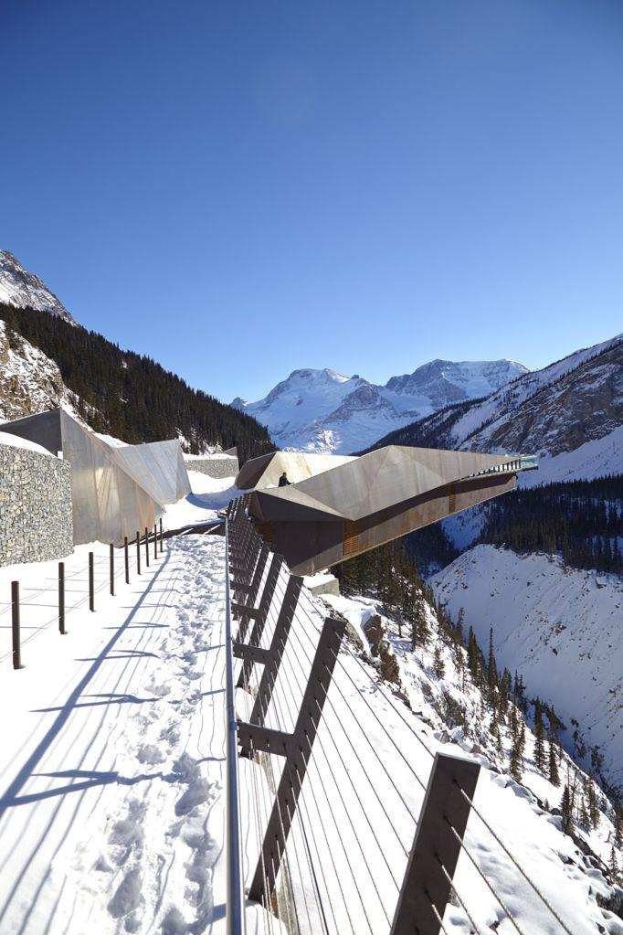 Visão da passarela Glacier no Canadá