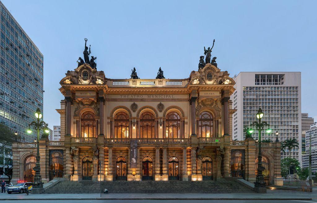 arquitetura prédio icônico são paulo teatro municipal histórico