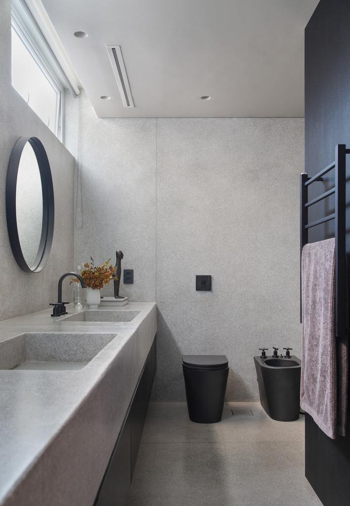 Banheiro pequeno; DECA; Preto e branco; Banheiro Preto; Apartamento DN; BC Arquitetos; Ideias; Decoração; Madeira; Revestimento; Arte; Mobília Antiga; Vintage