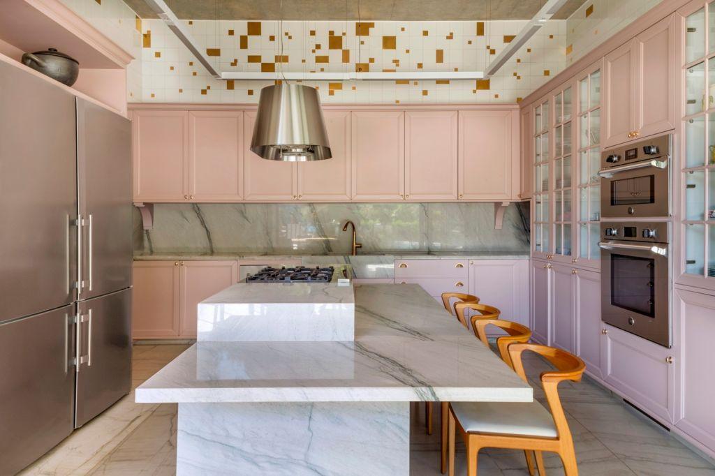 Cozinha; Rosa; Casa da Mata; Leo Romano; Casa; Inspiração; natureza; decoração; arquitetura; goiana