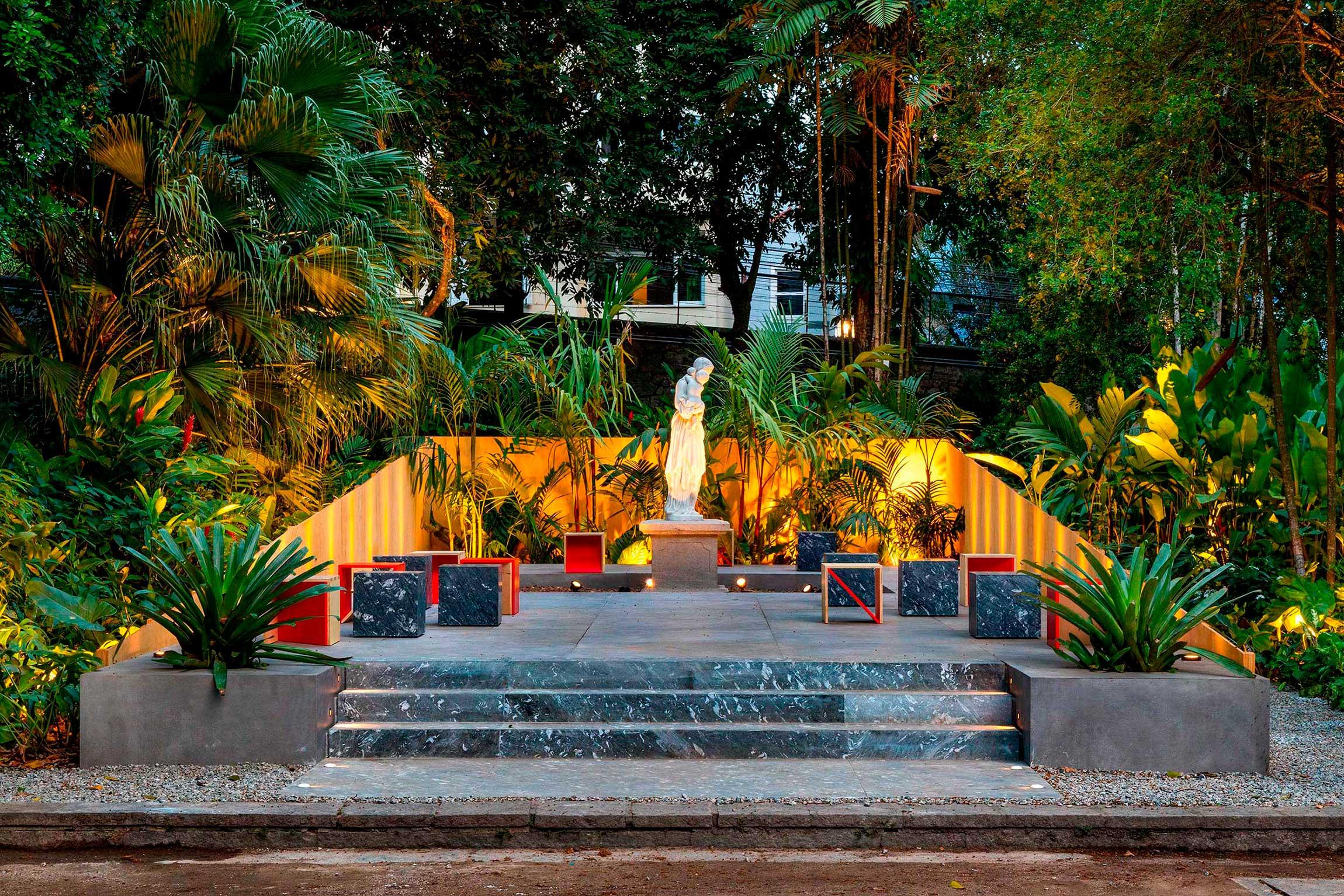 casacor rio de janeiro 2021 rj ambientes decoração arquitetura mostras ivan rezende patio escultura