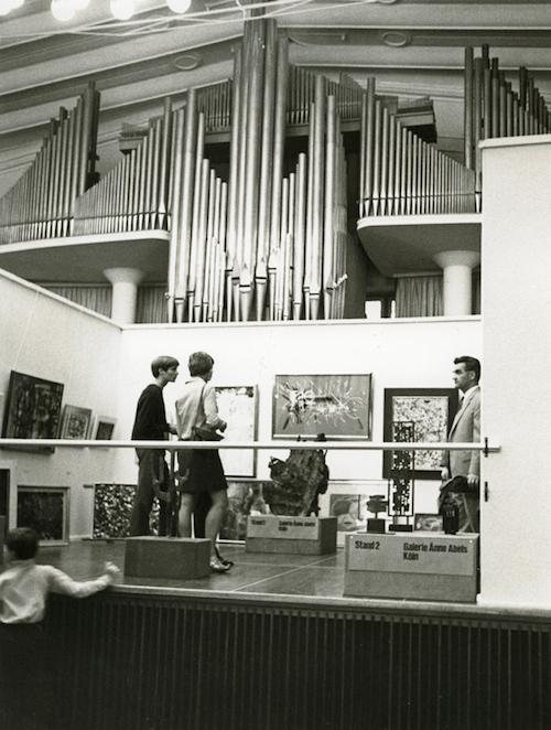 feira de arte conhecida como Kölner Kunstmarkt, aberta em 1967 em Colônia, na Alemanha